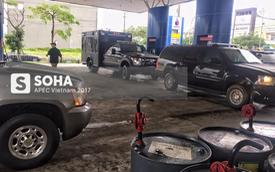 """Video hot: Mỗi """"quái vật"""" Cadillac One của Tổng thống Mỹ được đổ 110 lít xăng tại Đà Nẵng"""