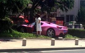 Cô gái trẻ gây tai nạn cho siêu xe Ferrari 458 Spider màu hồng