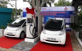 Chạy thử ô tô điện và trạm sạc nhanh đầu tiên tại Việt Nam