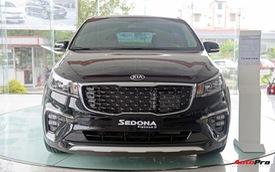 """Giá thấp hơn 300 triệu đồng, Kia Sedona bản tiêu chuẩn bị cắt những gì so với bản """"full""""?"""