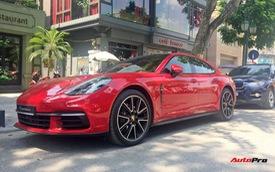 Chiếc Porsche Panamera hàng độc với gói tùy chọn trị giá cả tỷ đồng lăn bánh trên phố Hà Nội