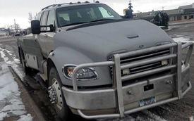 Chiếc Ford Explorer hóa thân thành bán tải này là mẫu xe dị nhất bạn thấy ngày hôm nay