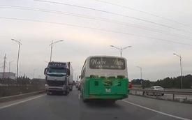 Container ngang nhiên đi ngược chiều trong làn tốc độ cao trên cao tốc Hà Nội - Bắc Giang