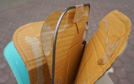 Tự phá tấm che nắng Toyota Vios: Khung sắt, 2 lớp mút và 3 tấm bìa carton