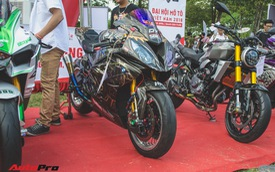 Biker Tiền Giang khoác áo Black Panther cho BMW S1000RR