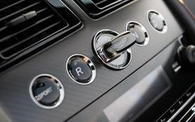 Chìa khóa bằng lam ngọc của Aston Martin - Cách chơi trội của giới nhà giàu 10 năm trước
