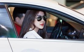 """Người đẹp Diệp Lâm Anh nói: """"Lỗ như ngất đi"""" khi rao bán Porsche Panamera 2018 chạy lướt"""