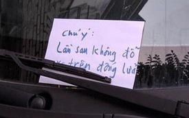 Đỗ xe ô tô trên đống than hồng rồi bỏ đi, tài xế may mắn được người dân dùng nước dập hộ