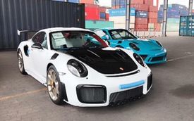 Thêm hai chiếc siêu xe Porsche 911 chính hãng mới về Việt Nam