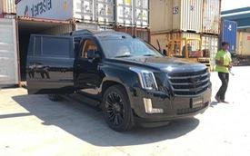 'Chuyên cơ mặt đất' Cadillac Escalade độ Lexani hàng độc, gắn TV 48 inch lên đường về Việt Nam