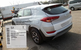 Tờ giấy nhỏ dán trên chiếc xe giống Tucson 2019 tiết lộ điều bất ngờ về một mẫu Hyundai mới
