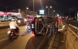 Mercedes-Benz E250 lật trên phố Sài Gòn, nguyên nhân đến từ chiếc lốp