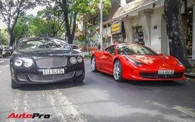 """Bộ đôi Ferrari và Bentley trong hầm xe """"huyền thoại"""" sánh đôi, chiếc Bentley chiếm spotlight hơn hẳn nhờ chi tiết này"""