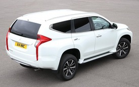 """Mitsubishi trình làng Pajero Sport """"bán tải"""" cho khách chạy dịch vụ"""