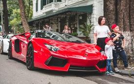 Dân chơi Hà Nội mang bộ tứ siêu xe Lamborghini đặc biệt và loạt Ford Mustang xếp hàng dài trên phố thu hút sự chú ý của người dân