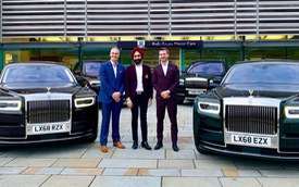 Tỷ phú nổi tiếng chơi Rolls-Royce theo màu khăn quấn đầu tậu 6 chiếc Phantom và Cullinan mới