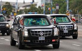 Video: Ô tô lao vào dải phân cách đúng lúc đoàn xe Tổng thống Trump đi tới