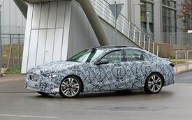 Mercedes-Benz C-Class thế hệ mới lần đầu tung video chạy thử, phản đòn BMW 3-Series