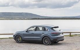 Porsche Cayenne sắp có cấu hình mạnh hơn cả Lamborghini Urus, Bentley Bentayga