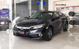 Honda Civic 2019 bị chê đắt nhưng xe nào về hết xe đấy, khách đặt trước vẫn phải chờ 'dài cổ' mới mua được