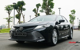 Toyota Camry bán thế nào trước khi ra mắt phiên bản mới tại Việt Nam?