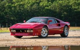 Hỏi mua Ferrari triệu đô, thanh niên nhanh chân phóng mất dạng bỏ lại chủ xe đứng nhìn