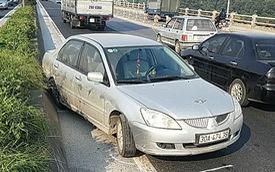Xe ben tông ô tô con trên cầu Thanh Trì rồi bỏ chạy, tài xế bị đâm đăng đàn truy tìm biển số