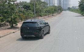 Bất ngờ bắt gặp VinFast SA2.0 chạy thử không ngụy trang tại Hà Nội, ngày giao xe không còn xa