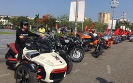 Dân chơi ô tô, mô tô khủng và độc tại Nghệ An đổ ra đường dịp sinh nhật Bác