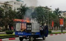"""Xe tải chở nồi bánh chưng """"vừa đi vừa nấu"""" bốc cháy nghi ngút trên phố"""