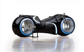 Choáng với siêu môtô Tron Light Cycle sắp về nước của đại gia Việt