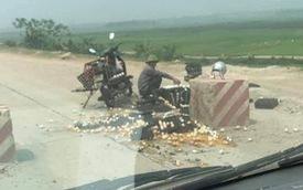 Người đàn ông rơi nước mắt giữa đống trứng nát bét trên đường và ý thức xấu xí của nhóm thanh niên