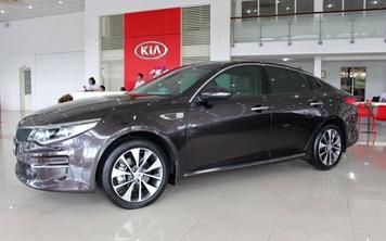 Kia Optima giảm giá gần 40 triệu đồng tại đại lý: Cạnh tranh Toyota Camry bằng giá hạng C
