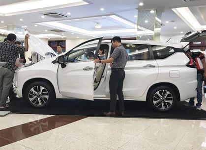 Khan hàng, Mitsubishi Xpander tăng giá tại đại lý, khách muốn mua phải chờ sang năm