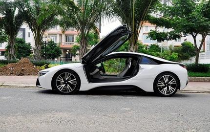 """Rao bán BMW i8 biển """"tứ quý"""""""