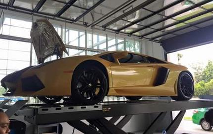 """Dàn siêu xe Lamborghini """"khám bệnh"""" tại Sài thành"""