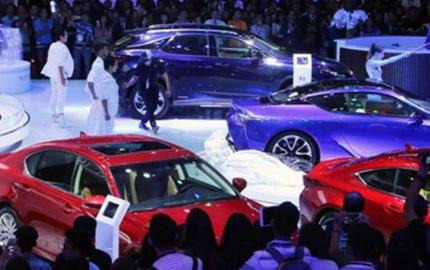 """Bất chấp tháng """"cô hồn"""", ô tô nhập khẩu vẫn tăng lên"""