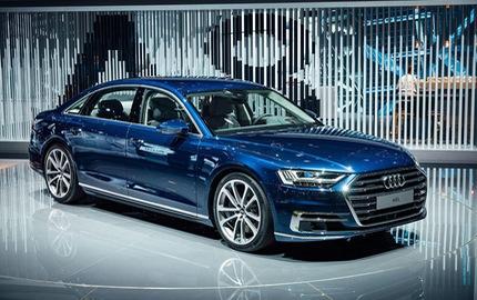 """Chiêm ngưỡng vẻ đẹp của Audi A8 2018 """"bằng xương, bằng thịt"""""""