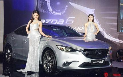 """Mazda6 giảm giá, đẩy Toyota Camry vào """"thế khó"""""""