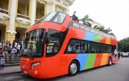 Cận cảnh xe buýt 2 tầng mui trần phục vụ khách du lịch ở Hà Nội