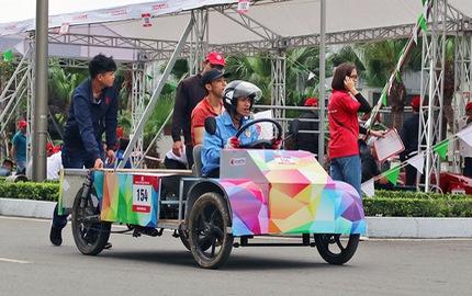 Xe tự chế của sinh viên Việt Nam đi được gần 587 km/lít xăng