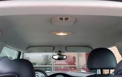 Video 1 phút này cho bạn biết trần xe hơi được sản xuất như thế nào