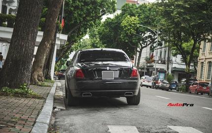 Sẽ thế nào nếu một chiếc Rolls-Royce Ghost được độ phần cản của Rolls-Royce Wraith?
