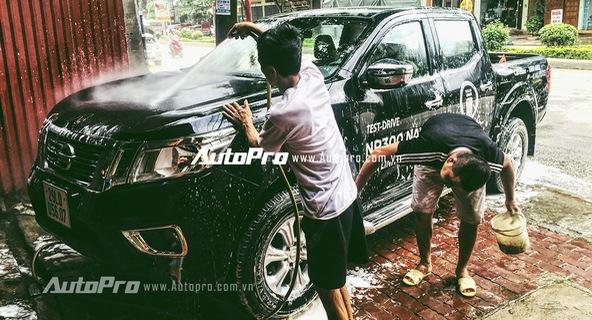 Của bền tại người - Sau mưa bão nên rửa xe ngay