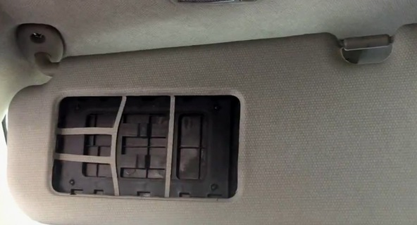 Mục sở thị tấm che nắng trên xe Kia Morning và Hyundai Grand i10