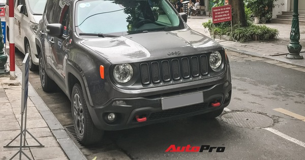 Xế lạ Jeep Renegade Trailhawk xuất hiện tại Hà Nội