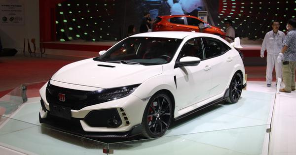 Cận cảnh Honda Civic Type R lần đầu có mặt tại Việt Nam, góp mặt tại Triển lãm Ô tô Việt Nam 2018