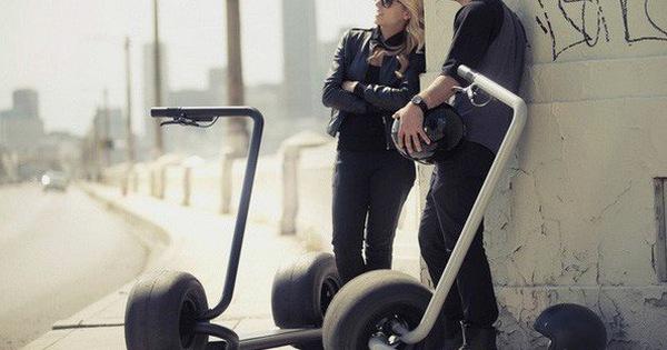 Mẫu xe điện độc nhất vô nhị: Lốp to như lốp xe hơi, chở được tới 2 người vẫn phi với tốc độ 40 km/h