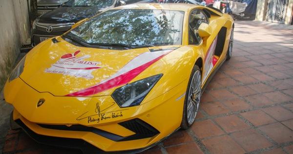 Bộ đôi Lamborghini Aventador S và Bentley Mulsanne EWB chính hãng bất ngờ xuất hiện tại Hà Nội