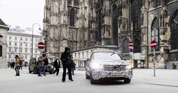 Volkswagen Touareg 2019 tham vọng cạnh tranh Porsche Cayenne